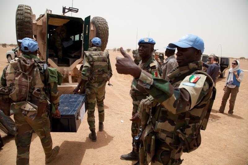 Armée Sénégalaise - Page 5 0asene18