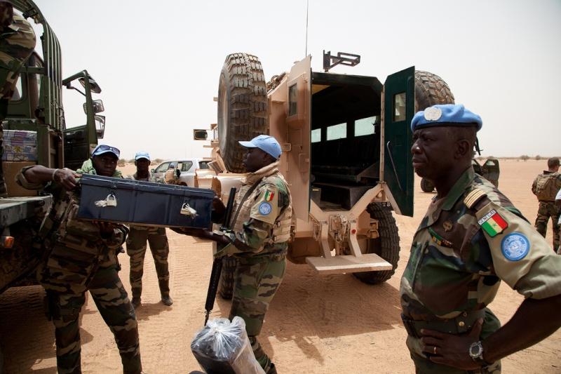 Armée Sénégalaise - Page 5 0asene19