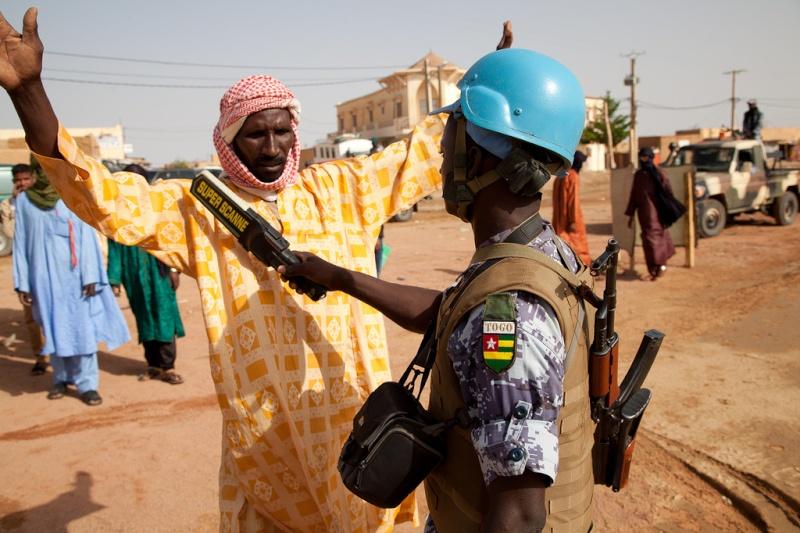 Forces Armées Togolaises / Togolese Armed Forces - Page 2 0atogo10