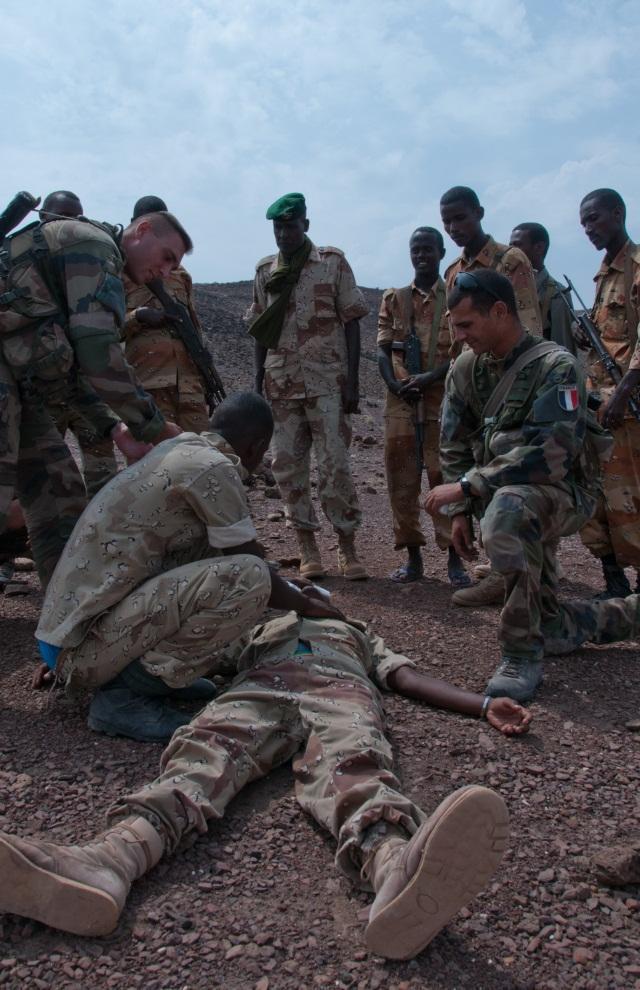Armée djiboutienne / Djibouti National Army - Page 2 B017