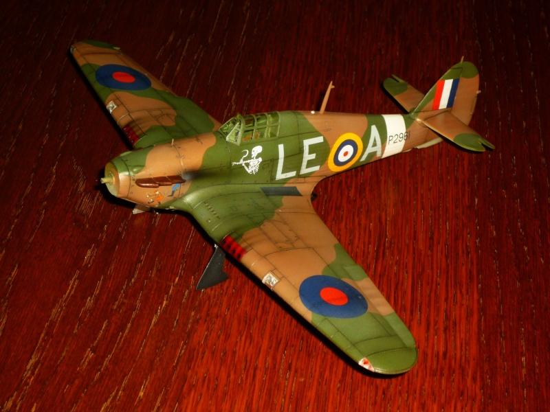 Hawker Hurricane Mk I (Tamiya / Italeri) [modèle terminé] - Page 5 P1080220