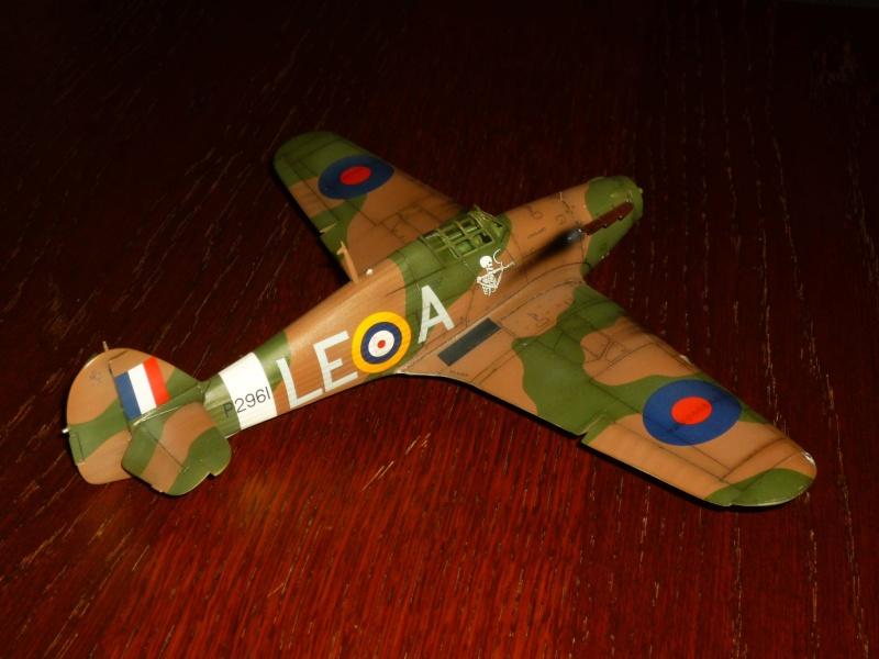 Hawker Hurricane Mk I (Tamiya / Italeri) [modèle terminé] - Page 5 P1080222