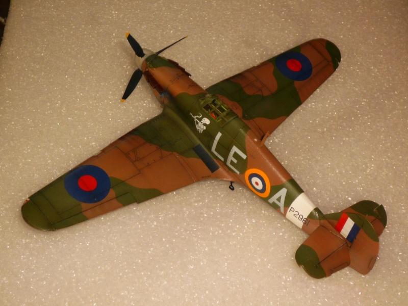 Hawker Hurricane Mk I (Tamiya / Italeri) [modèle terminé] - Page 5 P1080318
