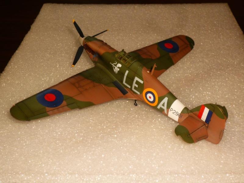 Hawker Hurricane Mk I (Tamiya / Italeri) [modèle terminé] - Page 5 P1080319