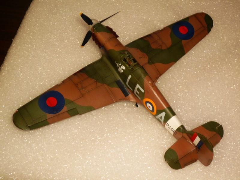 Hawker Hurricane Mk I (Tamiya / Italeri) [modèle terminé] - Page 5 P1080320