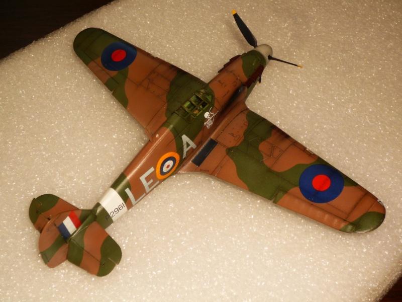 Hawker Hurricane Mk I (Tamiya / Italeri) [modèle terminé] - Page 5 P1080323