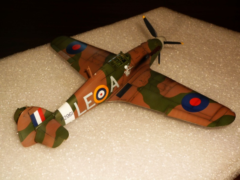 Hawker Hurricane Mk I (Tamiya / Italeri) [modèle terminé] - Page 5 P1080324