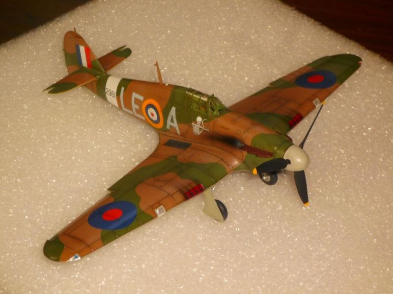 Hawker Hurricane Mk I (Tamiya / Italeri) [modèle terminé] - Page 5 P1080325