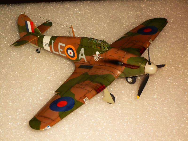 Hawker Hurricane Mk I (Tamiya / Italeri) [modèle terminé] - Page 5 P1080330