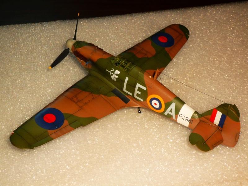 Hawker Hurricane Mk I (Tamiya / Italeri) [modèle terminé] - Page 5 P1080331
