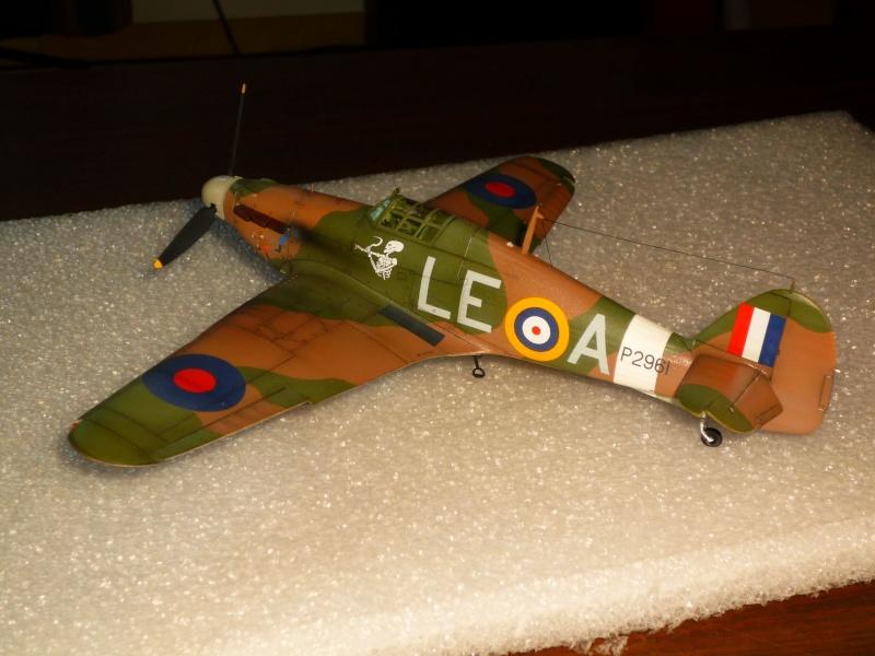 Hawker Hurricane Mk I (Tamiya / Italeri) [modèle terminé] - Page 5 P1080332