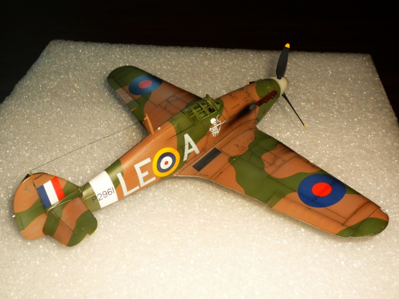 Hawker Hurricane Mk I (Tamiya / Italeri) [modèle terminé] - Page 5 P1080333