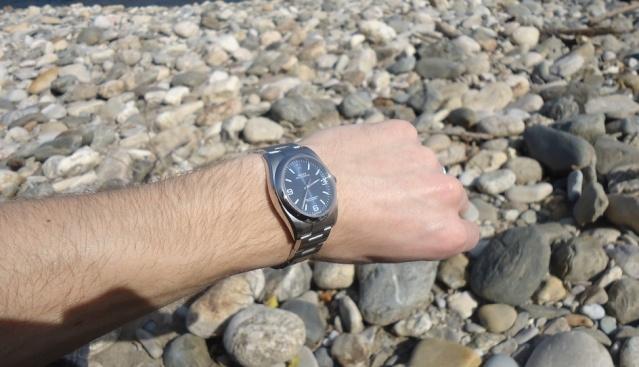 Un cadeau parfait :  Rolex Oyster Perpetual 116000 Blue Dial Dsc03411