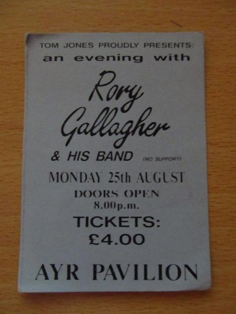 Photo de Fenderbass - Ayr Pavilion - Ayr (UK) - 25 août 1986 File10