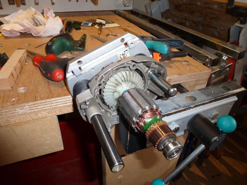 amélioration de la plongée de la défonceuse Bosch POF1400ACE 0210