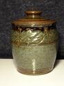 Studio lidded jar - David Wadsworth, Alfreton, Derbyshire  P1000710