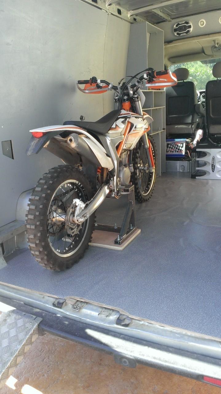 Transport de motos dans un camion Wp_20112