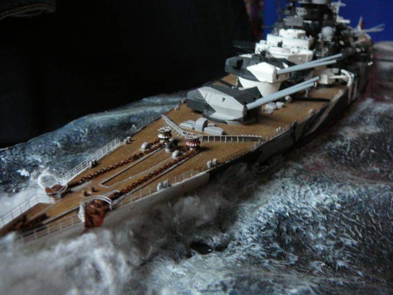 Revell 1:350 Tirpitz Ätzteile-orgie  Abschliessende Bildergalerie... P1130036