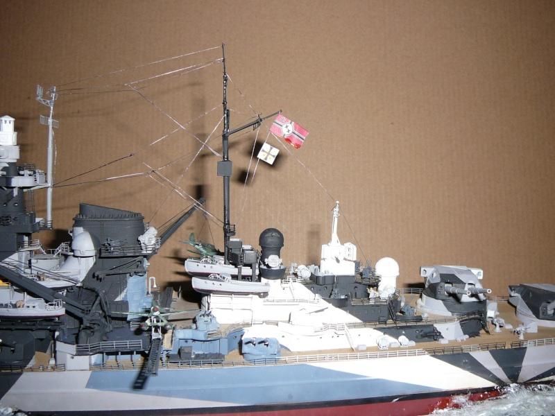 Revell 1:350 Tirpitz Ätzteile-orgie  Abschliessende Bildergalerie... P1130038