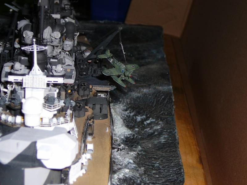 Revell 1:350 Tirpitz Ätzteile-orgie  Abschliessende Bildergalerie... P1130041