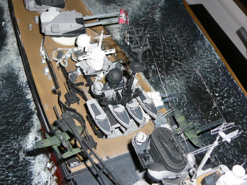 Revell 1:350 Tirpitz Ätzteile-orgie  Abschliessende Bildergalerie... P1130112