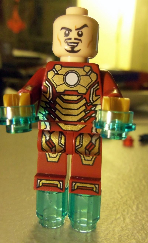 76006 Iron Man: Extremis Sea Port Battle 102_0925
