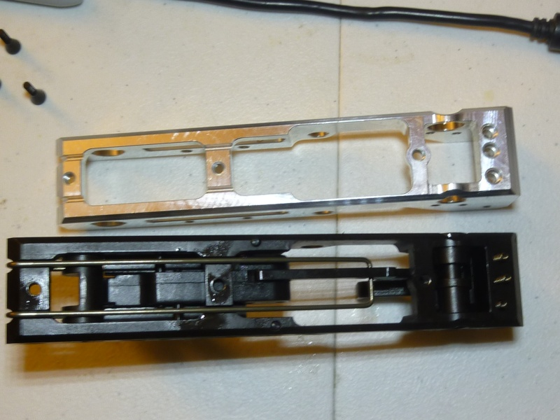 KWA Upper housing swap with real Kriss upper P1080217