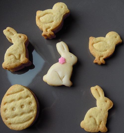 Biscuits de pâques - Page 2 Dscn0810