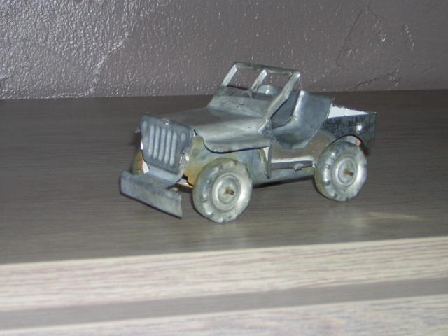 jeep en tole jouet  Dscn5512