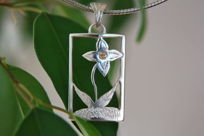 Pendentif floral petit brillant Dsc_1716