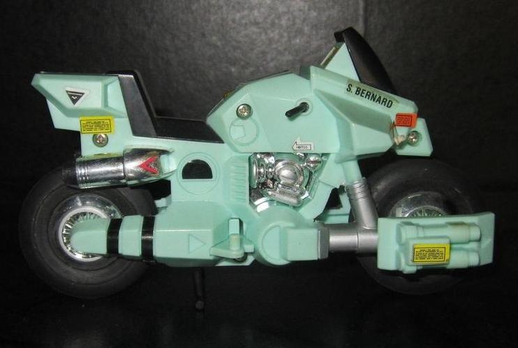 Scambio / vendo ROBOTECH CICLONE ARMATO Ciclon11