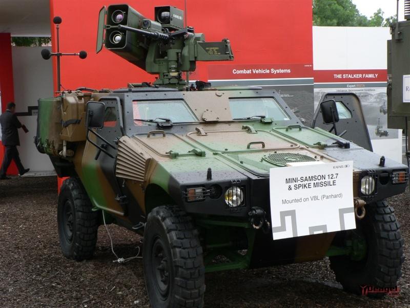 Remote Controlled Weapon Station / Poste de Tir Télécommandé (RCWS) M0200610
