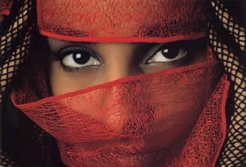 La beauté sauvera le monde! AMEN. Femme-11