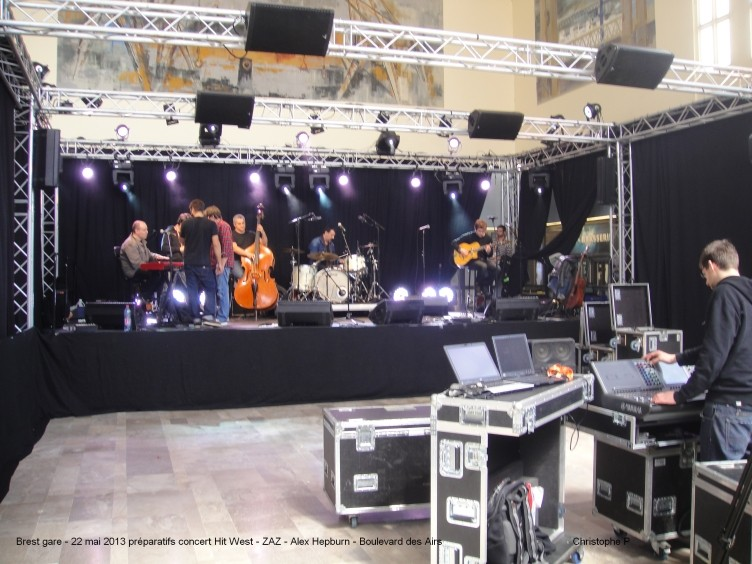 Brest gare 22 mai 2013 concert ZAZ Alex Hepburn Boulevard des Airs Brest_10