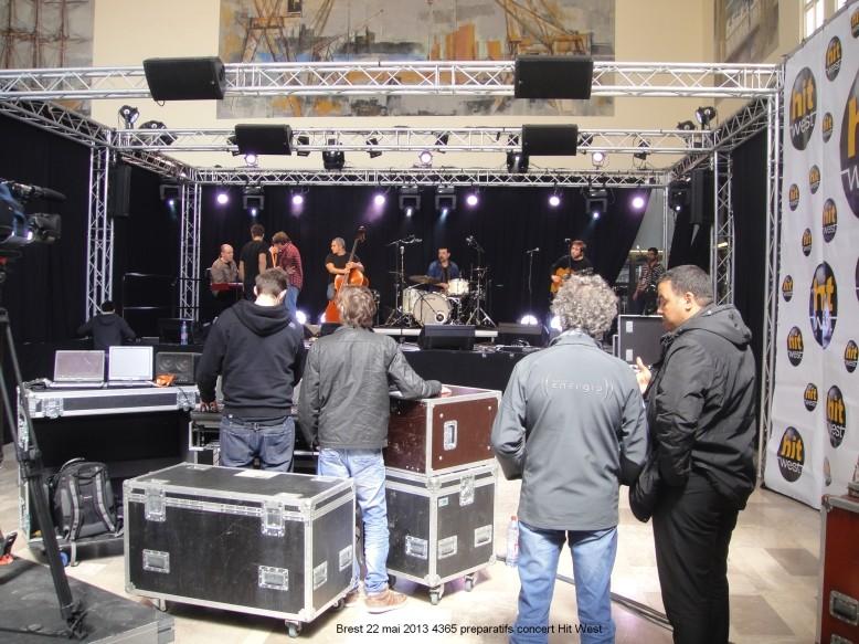 Brest gare 22 mai 2013 concert ZAZ Alex Hepburn Boulevard des Airs Brest_11