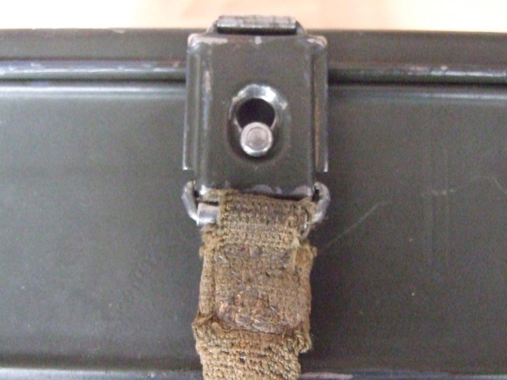 Estimation boite Gaschutzhaube Wehrmacht.  Dscf0415
