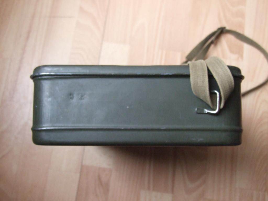 Estimation boite Gaschutzhaube Wehrmacht.  Dscf0418