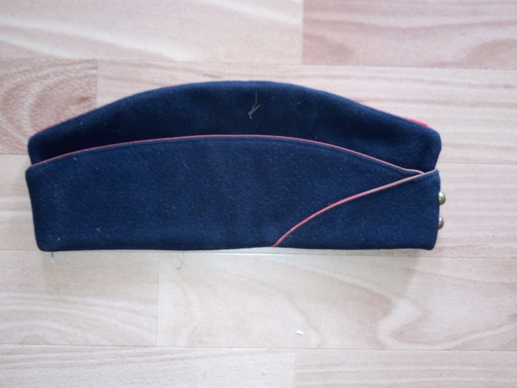 Bonnets de police années 30 et M44 ou M57 ? Img_2257