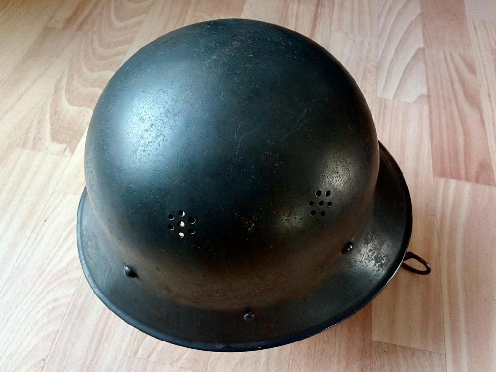 Casque Luftschutz Tchécoslovaque ?  Img_2390