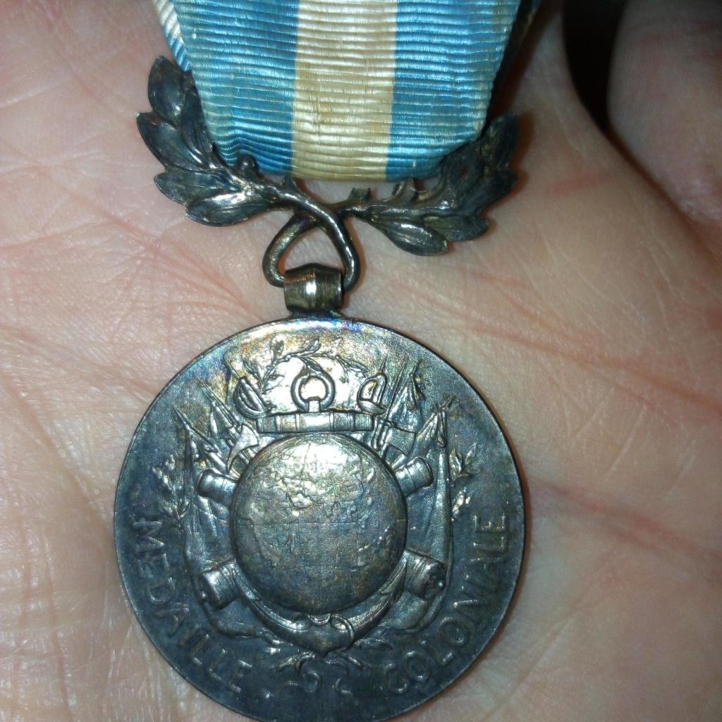 Médaille coloniale à dater. Img_2837