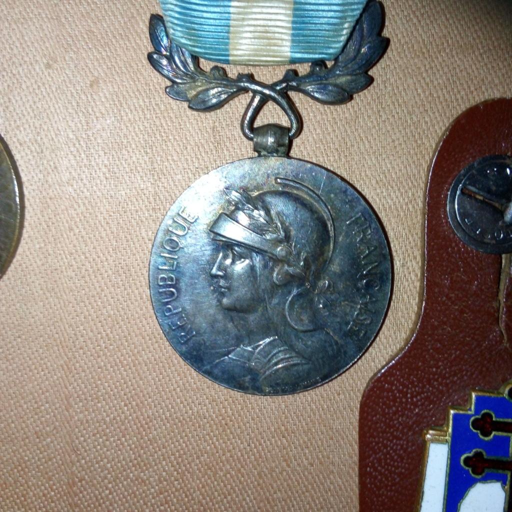Médaille coloniale à dater. Img_2838