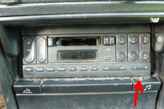 Trappe autoradio P1000110