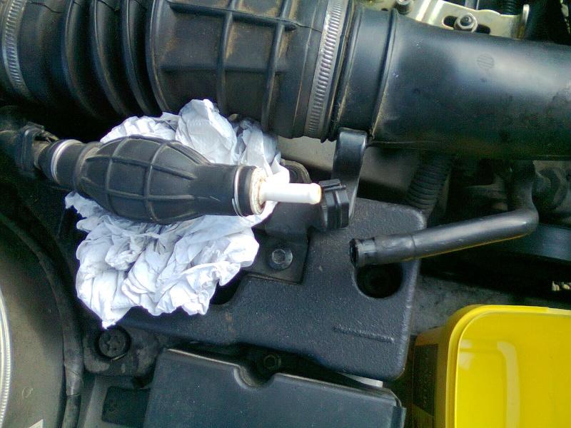 [résolu]Mauvais démarrage à froid, fuite sur capuchon noir pompe injection - Page 2 Photo010