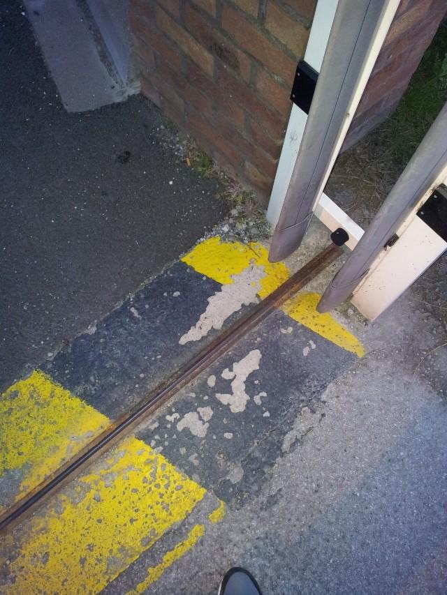 Avant mon portail coulissant.. le rail ! 20120814