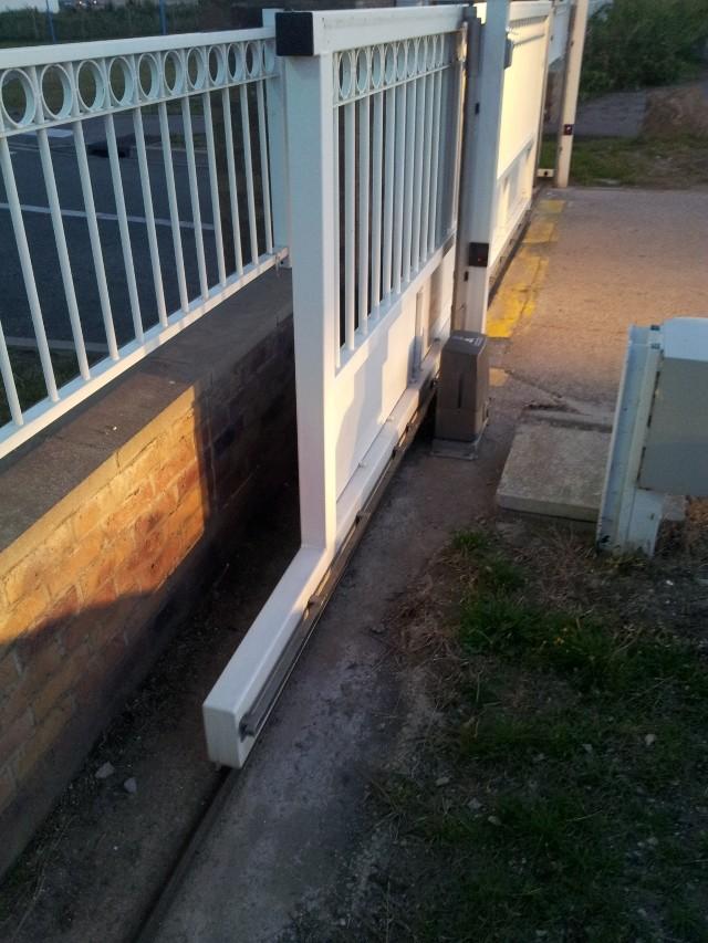 Avant mon portail coulissant.. le rail ! 20120817