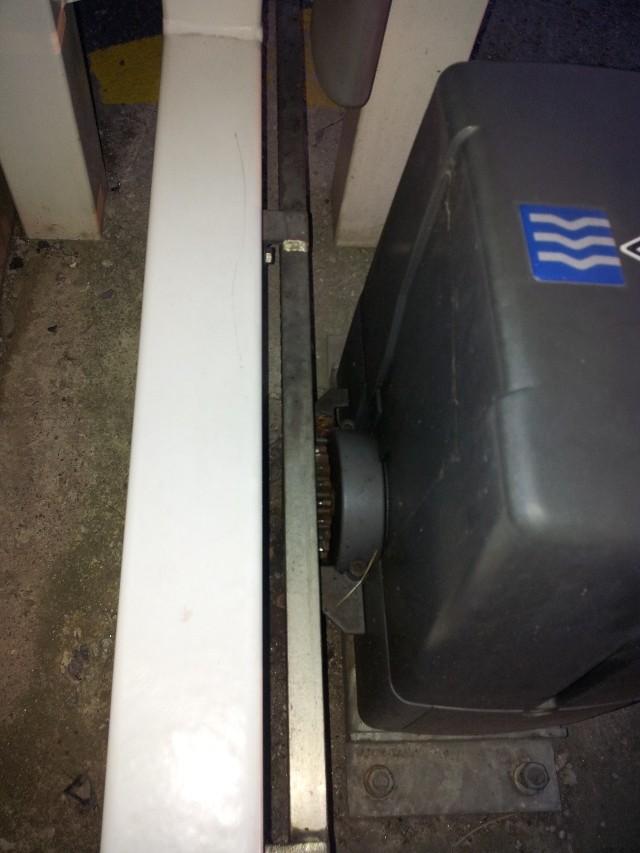 Avant mon portail coulissant.. le rail ! 20120820