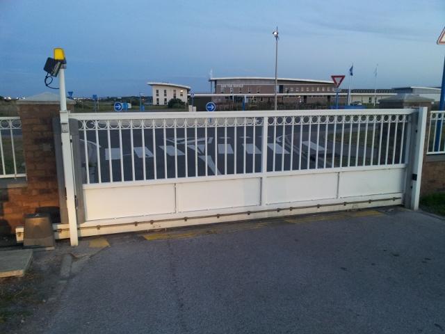 Avant mon portail coulissant.. le rail ! 20120821