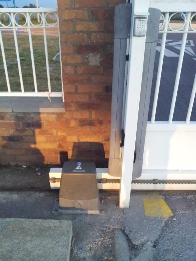 Avant mon portail coulissant.. le rail ! 20120827