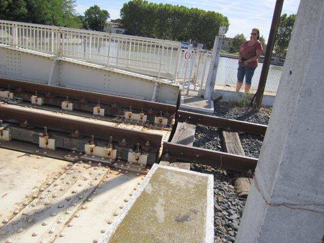 un pont-rails tournant Mes_im28