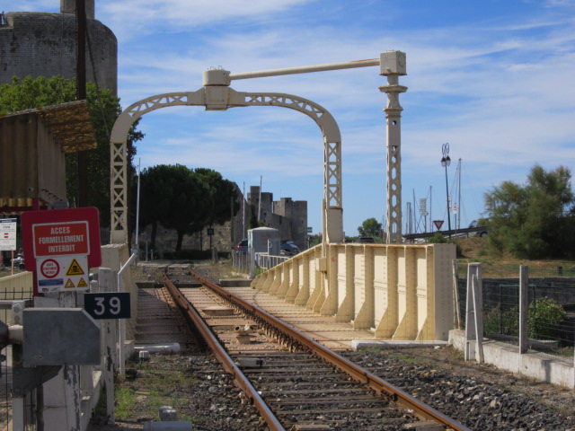 un pont-rails tournant Mes_im35